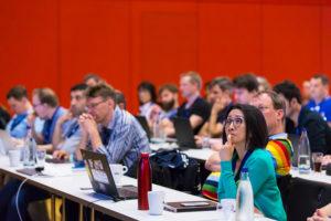Bild einer Konferenzsituation auf der JAX