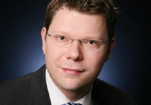 Dr. Sebastian Bindick