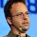 Dr. Roland Huß
