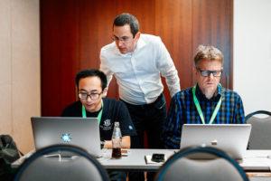 Photo von Thorben Janssen und zwei Power-Workshop-Teilnehmern