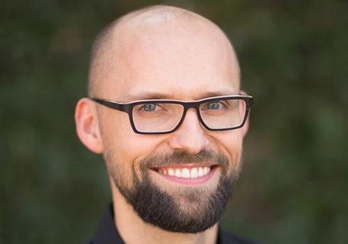 Dr. Michael Noll